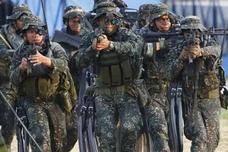 菲海军20年来首次阅兵 杜特尔特重申:不同中国开战