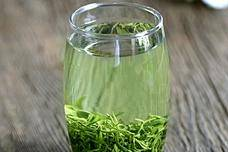 中医秘方:喝茶时放上2片它,抗癌效果翻了好几倍!