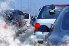 中国公布燃油车禁售时间,现在买车还能开多久?网友:完